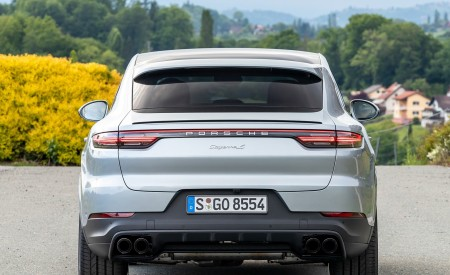 2020 Porsche Cayenne S Coupé (Color: Dolomite Silver Metallic) Rear Wallpapers 450x275 (111)