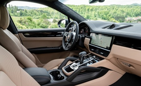 2020 Porsche Cayenne S Coupé (Color: Moonlight Blue Metallic) Interior Wallpapers 450x275 (72)