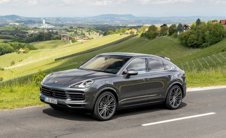 2020 Porsche Cayenne S Coupé (Color: Quarzite Grey Metallic) Front Three-Quarter Wallpapers 450x275 (13)