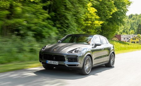 2020 Porsche Cayenne S Coupé (Color: Quarzite Grey Metallic) Front Three-Quarter Wallpapers 450x275 (3)