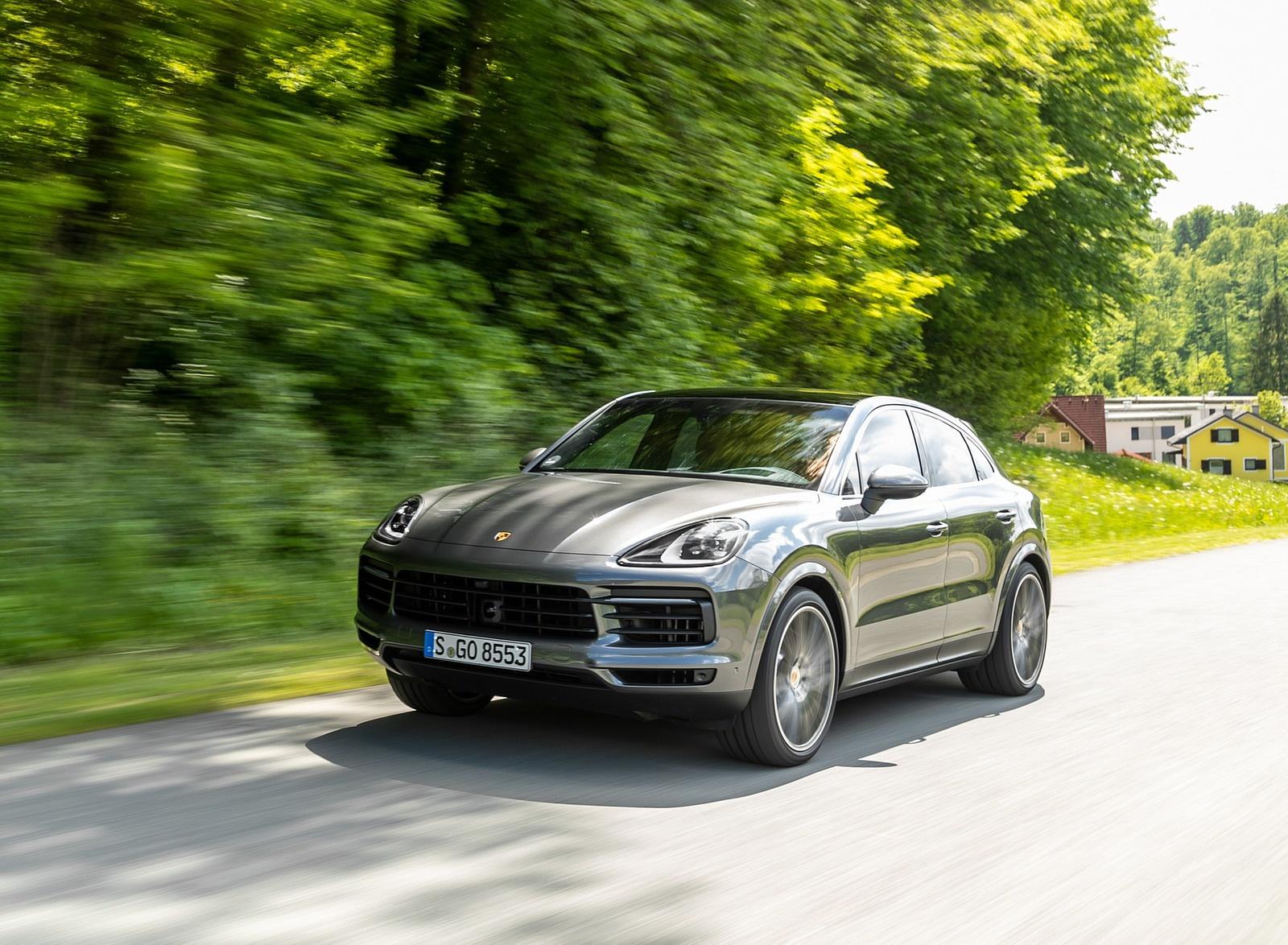 2020 Porsche Cayenne S Coupé (Color: Quarzite Grey Metallic) Front Three-Quarter Wallpapers (3)