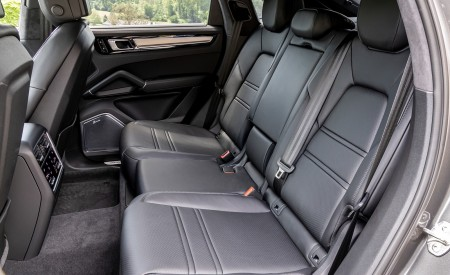 2020 Porsche Cayenne S Coupé (Color: Quarzite Grey Metallic) Interior Rear Seats Wallpapers 450x275 (34)