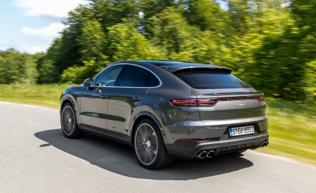 2020 Porsche Cayenne S Coupé (Color: Quarzite Grey Metallic) Rear Three-Quarter Wallpapers 450x275 (7)