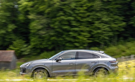 2020 Porsche Cayenne S Coupé (Color: Quarzite Grey Metallic) Side Wallpapers 450x275 (10)