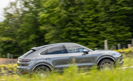2020 Porsche Cayenne S Coupé (Color: Quarzite Grey Metallic) Side Wallpapers 450x275 (11)
