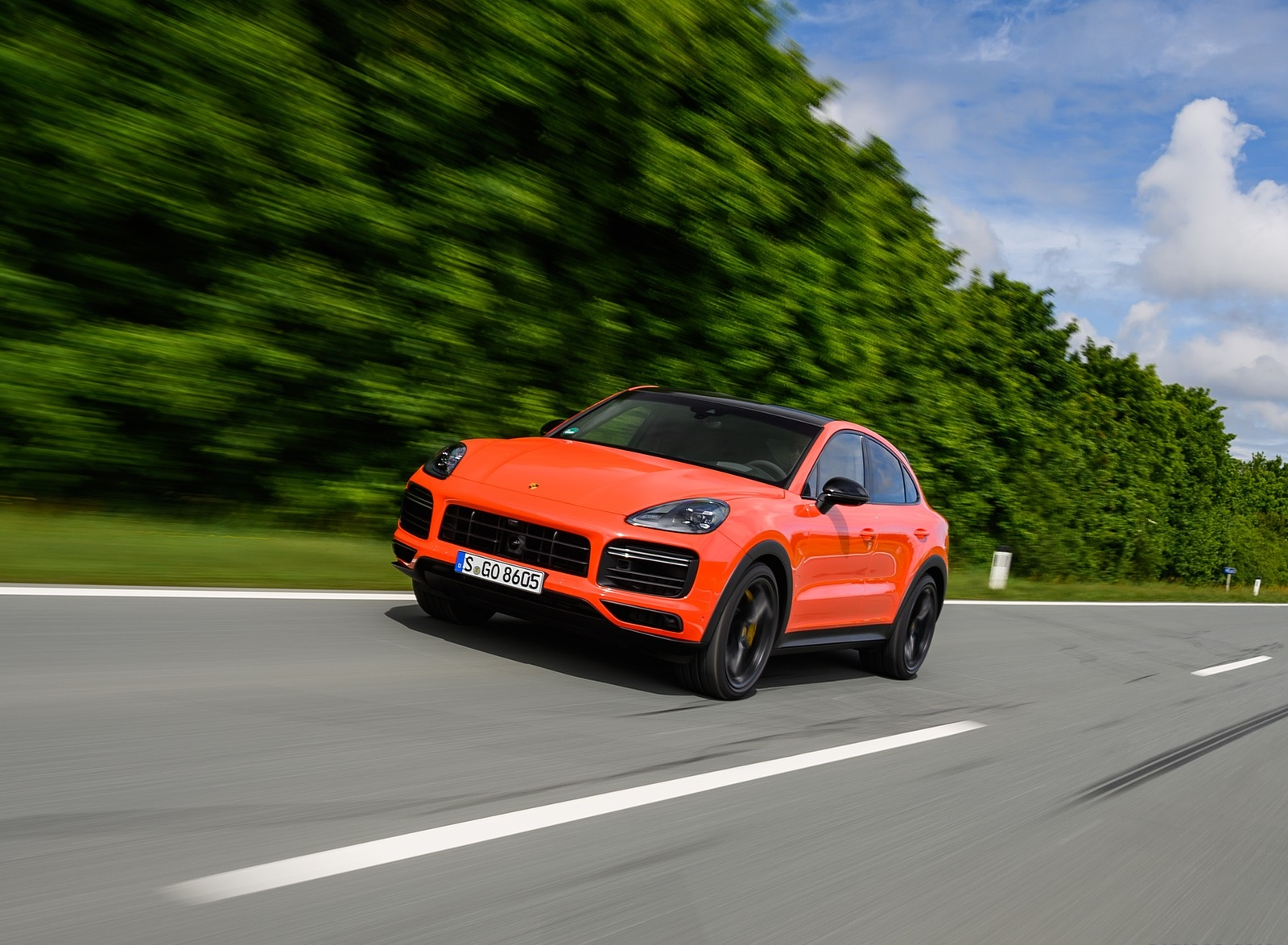 2020 Porsche Cayenne Turbo Coupe (Color: Lava Orange) Front Three-Quarter Wallpapers (11)