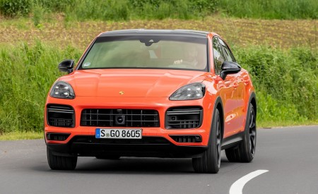 2020 Porsche Cayenne Turbo Coupe (Color: Lava Orange) Front Wallpaper 450x275 (34)