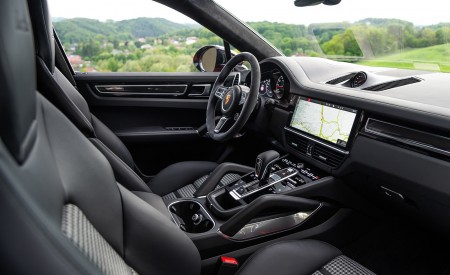 2020 Porsche Cayenne Turbo Coupe (Color: Lava Orange) Interior Wallpaper 450x275 (52)