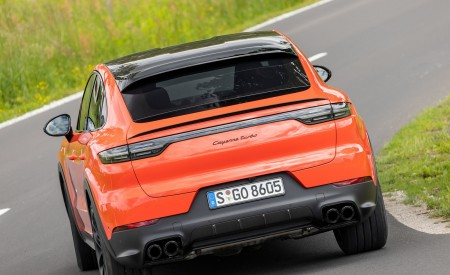 2020 Porsche Cayenne Turbo Coupe (Color: Lava Orange) Rear Wallpapers 450x275 (38)
