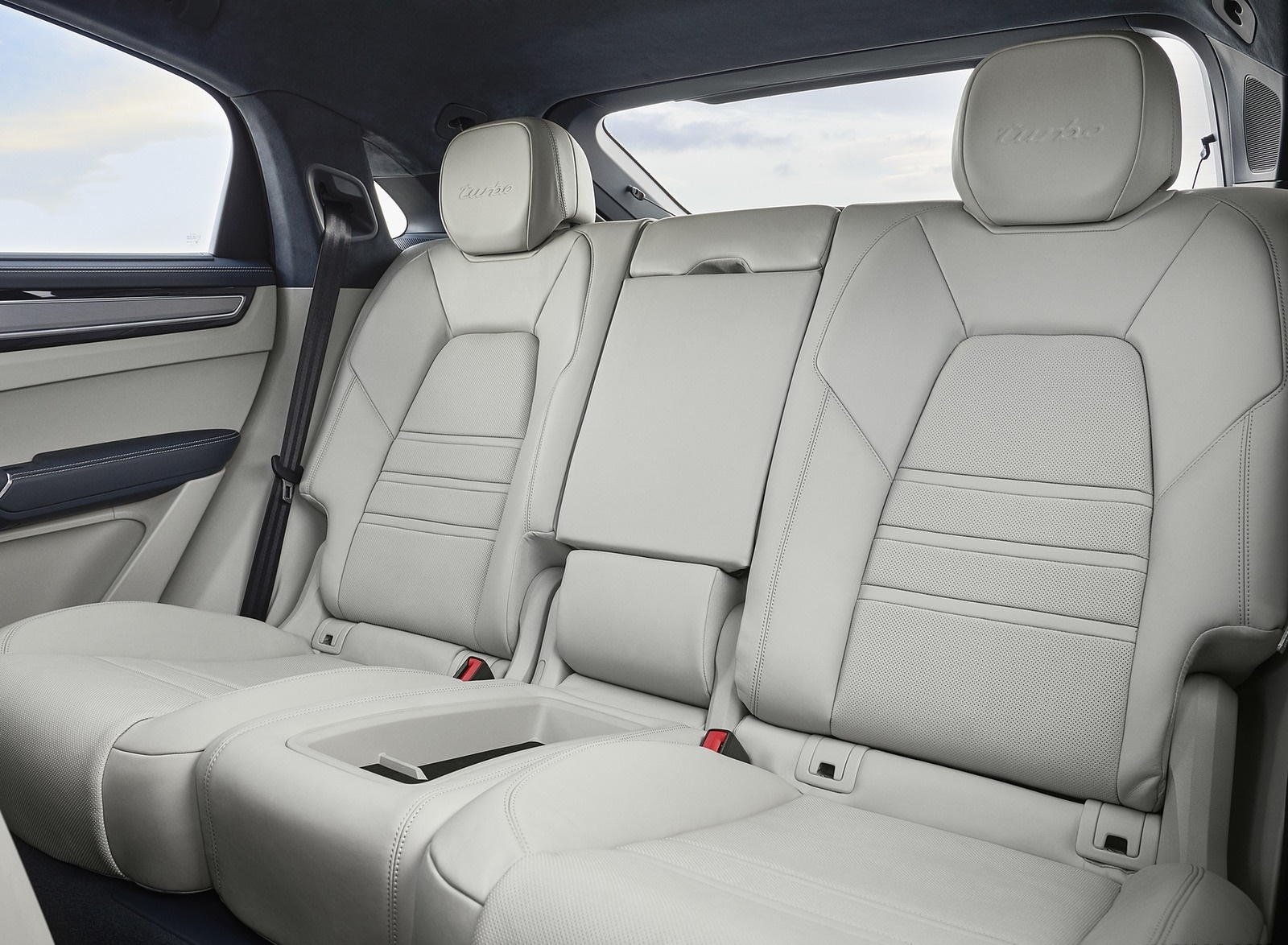 2020 Porsche Cayenne Turbo Coupe Interior Rear Seats Wallpaper (15)