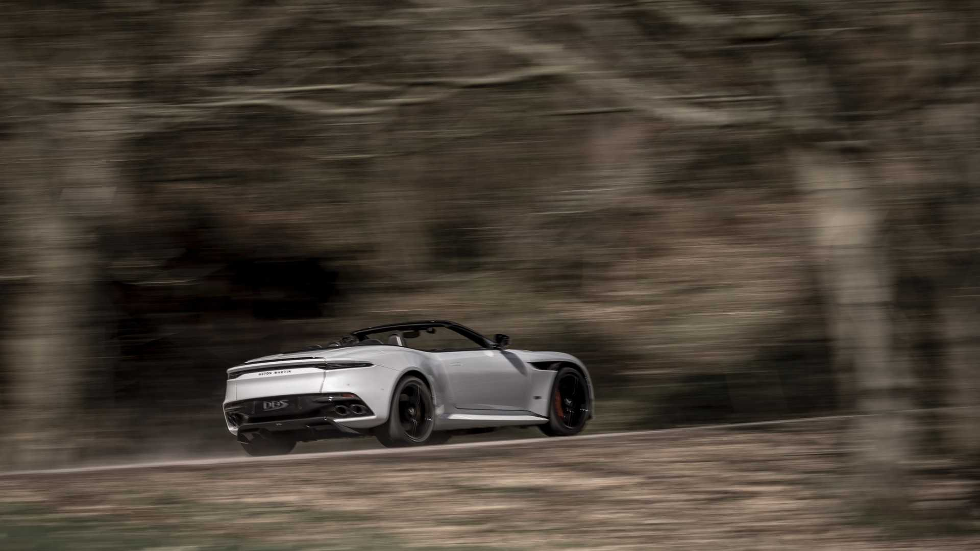 2019 Aston Martin DBS Superleggera Volante Rear Three-Quarter Wallpapers (4)