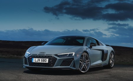 2019 Audi R8 V10 Coupe Performance quattro (UK-Spec) Front Three-Quarter Wallpaper 450x275 (139)