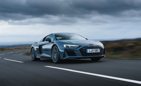 2019 Audi R8 V10 Coupe Performance quattro (UK-Spec) Front Three-Quarter Wallpaper 450x275 (81)