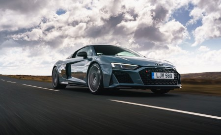 2019 Audi R8 V10 Coupe Performance quattro (UK-Spec) Front Three-Quarter Wallpaper 450x275 (80)