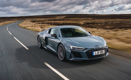 2019 Audi R8 V10 Coupe Performance quattro (UK-Spec) Front Three-Quarter Wallpaper 450x275 (79)