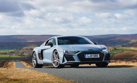 2019 Audi R8 V10 Coupe Performance quattro (UK-Spec) Front Three-Quarter Wallpaper 450x275 (131)