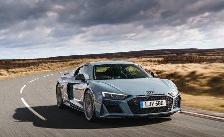 2019 Audi R8 V10 Coupe Performance quattro (UK-Spec) Front Three-Quarter Wallpaper 450x275 (78)