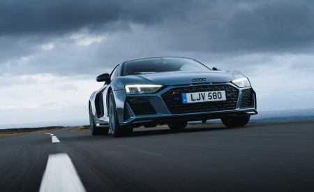 2019 Audi R8 V10 Coupe Performance quattro (UK-Spec) Front Three-Quarter Wallpaper 450x275 (85)