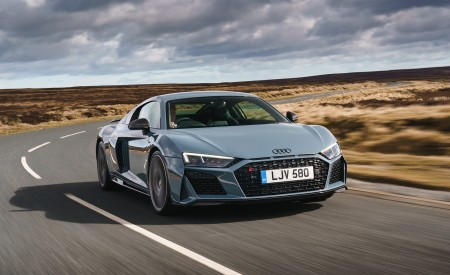 2019 Audi R8 V10 Coupe Performance quattro (UK-Spec) Front Three-Quarter Wallpaper 450x275 (77)