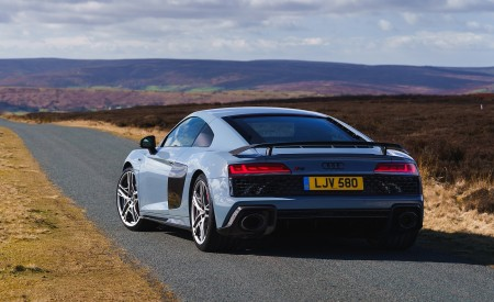2019 Audi R8 V10 Coupe Performance quattro (UK-Spec) Rear Three-Quarter Wallpaper 450x275 (143)