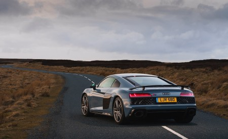 2019 Audi R8 V10 Coupe Performance quattro (UK-Spec) Rear Three-Quarter Wallpaper 450x275 (87)
