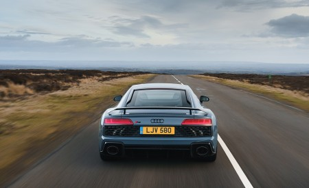 2019 Audi R8 V10 Coupe Performance quattro (UK-Spec) Rear Wallpaper 450x275 (99)