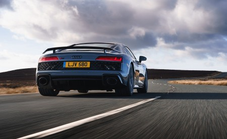 2019 Audi R8 V10 Coupe Performance quattro (UK-Spec) Rear Wallpaper 450x275 (90)