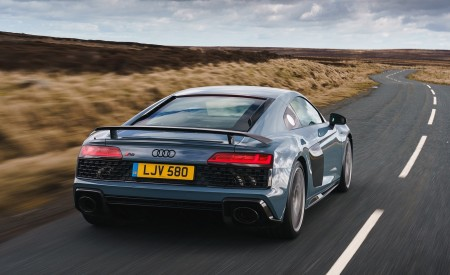 2019 Audi R8 V10 Coupe Performance quattro (UK-Spec) Rear Wallpaper 450x275 (103)