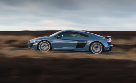 2019 Audi R8 V10 Coupe Performance quattro (UK-Spec) Side Wallpaper 450x275 (115)