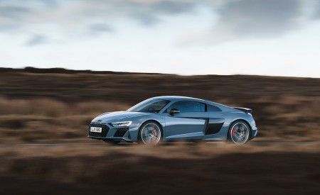 2019 Audi R8 V10 Coupe Performance quattro (UK-Spec) Side Wallpaper 450x275 (116)