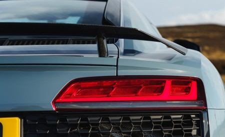 2019 Audi R8 V10 Coupe Performance quattro (UK-Spec) Tail Light Wallpaper 450x275 (171)