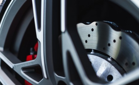 2019 Audi R8 V10 Coupe quattro (UK-Spec) Brakes Wallpaper 450x275 (57)