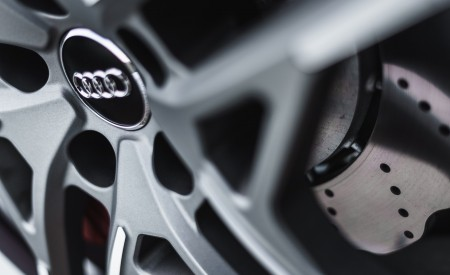 2019 Audi R8 V10 Coupe quattro (UK-Spec) Brakes Wallpaper 450x275 (45)