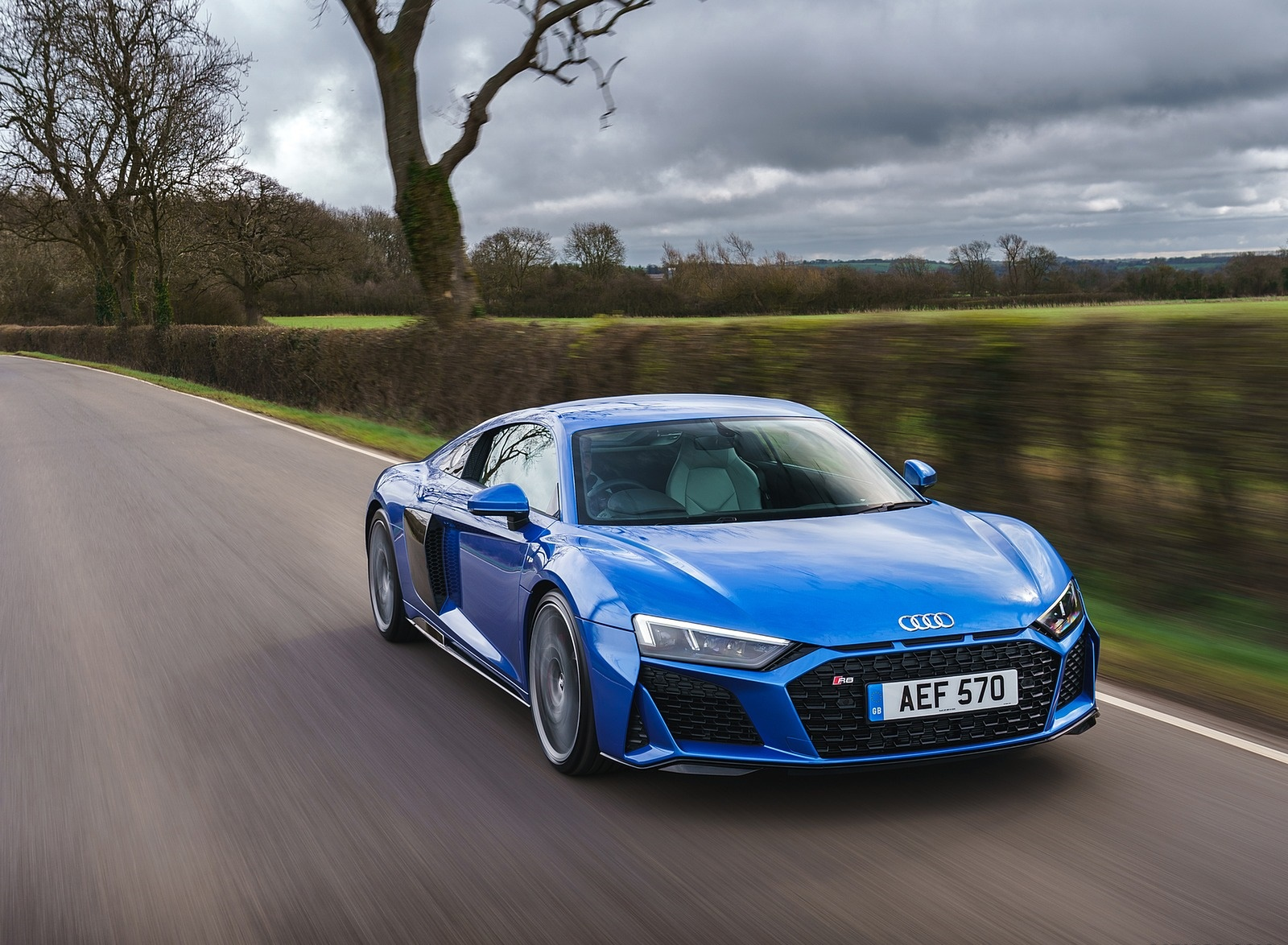 2019 Audi R8 V10 Coupe quattro (UK-Spec) Front Three-Quarter Wallpaper (13)