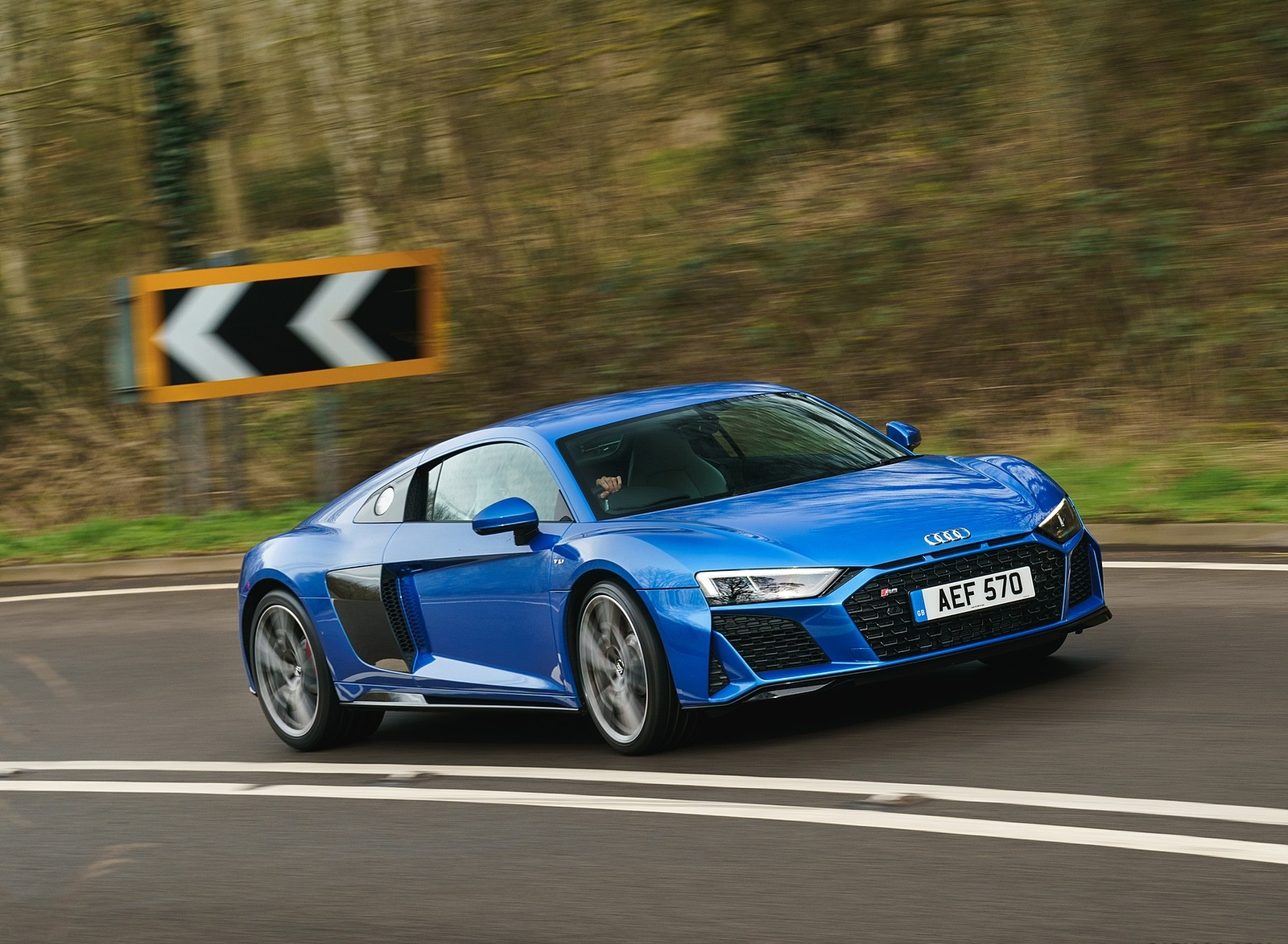 2019 Audi R8 V10 Coupe quattro (UK-Spec) Front Three-Quarter Wallpaper (2)