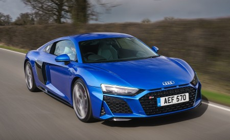 2019 Audi R8 V10 Coupe quattro (UK-Spec) Front Three-Quarter Wallpaper 450x275 (14)