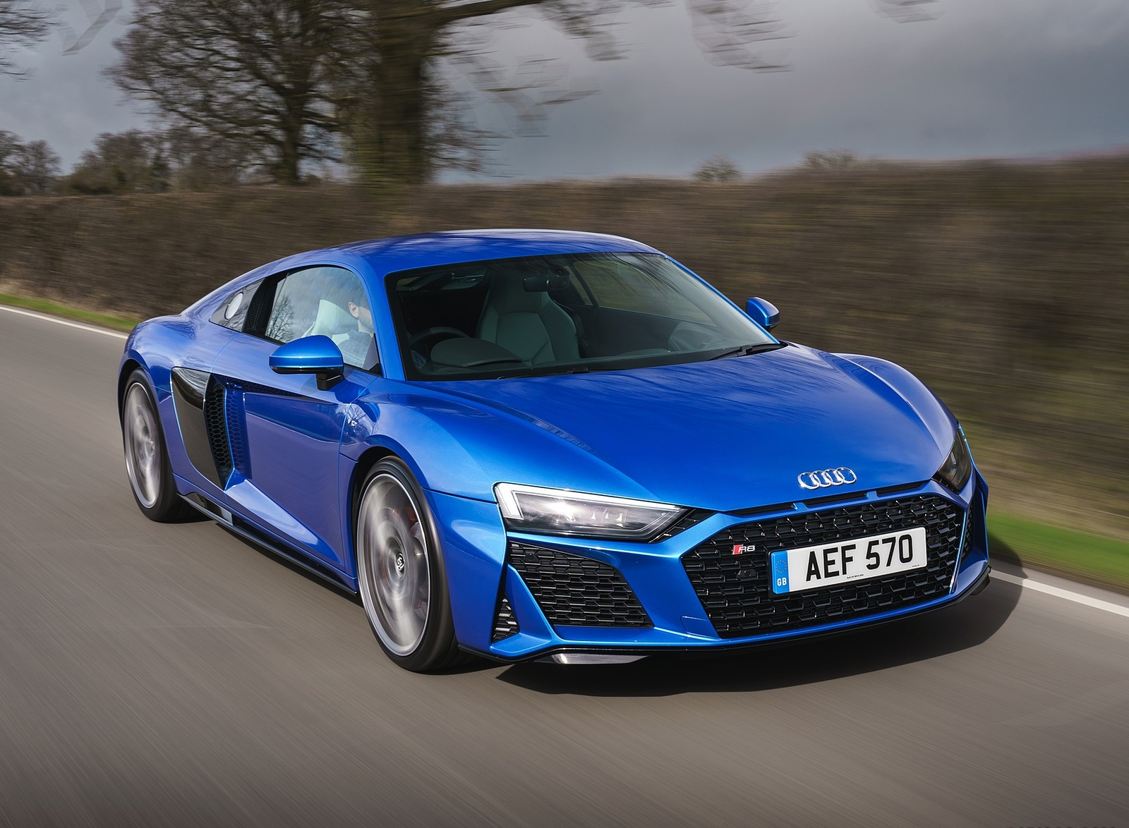 2019 Audi R8 V10 Coupe quattro (UK-Spec) Front Three-Quarter Wallpaper (14)