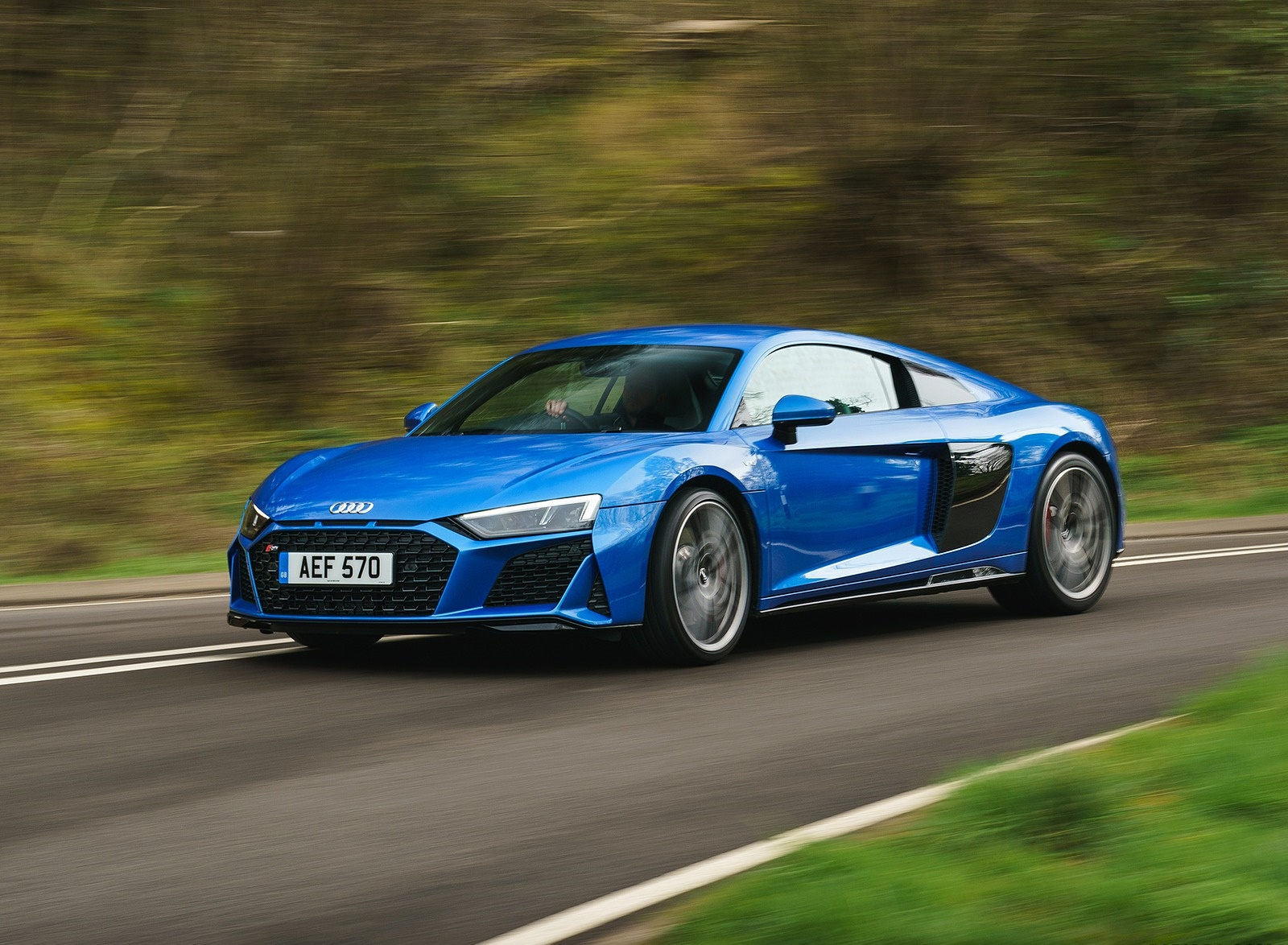 2019 Audi R8 V10 Coupe quattro (UK-Spec) Front Three-Quarter Wallpaper (9)