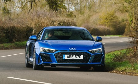 2019 Audi R8 V10 Coupe quattro (UK-Spec) Front Wallpaper 450x275 (17)