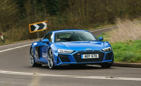 2019 Audi R8 V10 Coupe quattro (UK-Spec) Front Wallpaper 450x275 (5)