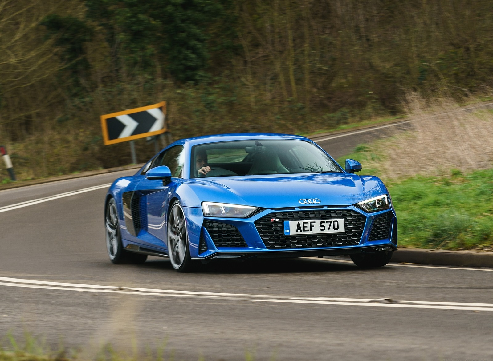 2019 Audi R8 V10 Coupe quattro (UK-Spec) Front Wallpaper (5)