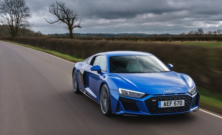 2019 Audi R8 V10 Coupe quattro (UK-Spec) Front Wallpaper 450x275 (31)