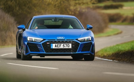 2019 Audi R8 V10 Coupe quattro (UK-Spec) Front Wallpaper 450x275 (18)