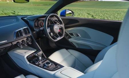 2019 Audi R8 V10 Coupe quattro (UK-Spec) Interior Wallpaper 450x275 (67)