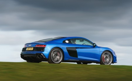 2019 Audi R8 V10 Coupe quattro (UK-Spec) Rear Three-Quarter Wallpaper 450x275 (34)