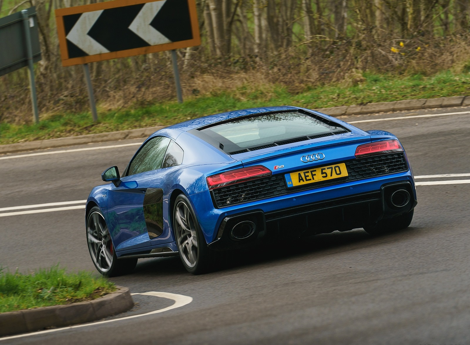 2019 Audi R8 V10 Coupe quattro (UK-Spec) Rear Three-Quarter Wallpaper (10)