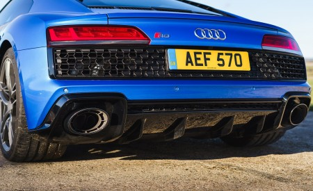 2019 Audi R8 V10 Coupe quattro (UK-Spec) Rear Wallpaper 450x275 (58)