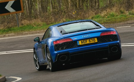 2019 Audi R8 V10 Coupe quattro (UK-Spec) Rear Wallpaper 450x275 (12)