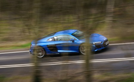 2019 Audi R8 V10 Coupe quattro (UK-Spec) Side Wallpaper 450x275 (25)