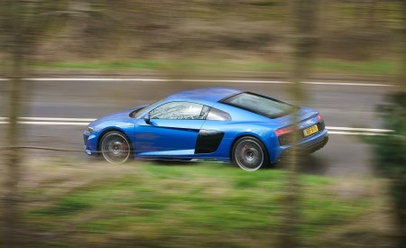 2019 Audi R8 V10 Coupe quattro (UK-Spec) Side Wallpaper 450x275 (26)